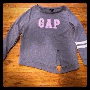 GAP sweater oversized, can fit a large